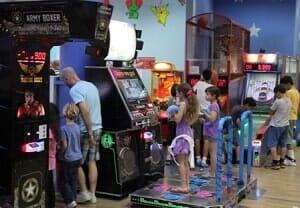 מכונות משחק ואטרקציות נושאות פרסים